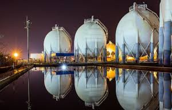 HIGHE CRUDE OIL PRICES KEPT NATURAL GAS UNDER THE $3 RLEVEL