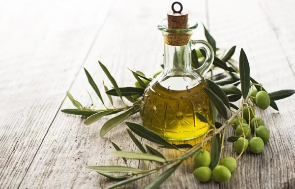 OLIVE OIL PRODUCTION IN SPAIN INCREASED BY 33% PRICE DECREASE 30%