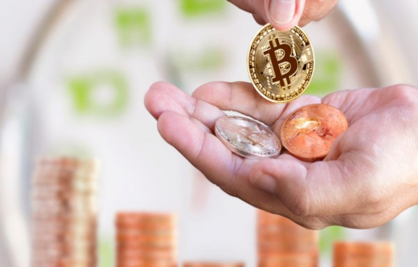 WORLD CRYPTOCURRENCY DAILY TRADING VOLUME DECREASED SHARPLY