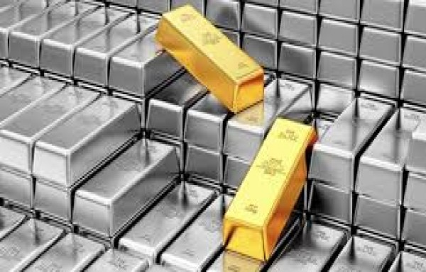SILVER SLIPPED AT 2011 LOW: GOLD SILVER RATIO STUBBORNLY HIGH 104