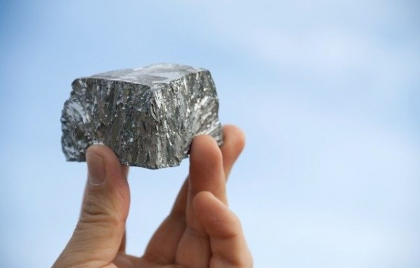INVESTOR SENTIMENT TOWARD ZINC REMAINS FRAGILE