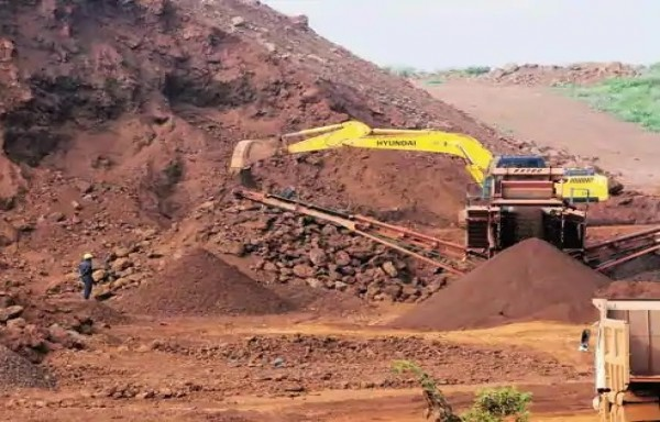 IRON ORE NOTCHED $100: EXPORT ADVANTAGE FOR INDIA